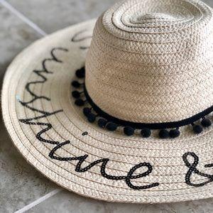 Betsey Johnson Accessories - NEW Floppy Beach Hat